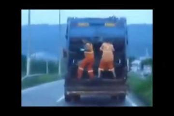 Tanzende Müllmänner